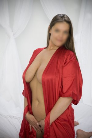 Sarah-lisa sex dating